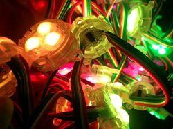 نقطة بكسل LED كاملة الألوان RGB بقطر 30 مم دائري بجهد 12 فولت خفيف