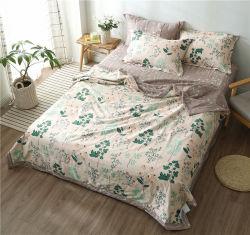 Los pequeños de cuatro piezas de flores frescas hojas de cama de algodón y el conjunto de ropa de cama cubierta colcha