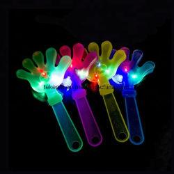 S'allumer une lampe de poche LED clignotant main promotionnel battants