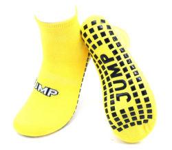 Los niños Saltar calcetines antideslizante antideslizante de poliéster personalizadas en el interior de los Niños Deporte Infantil trampolín calcetines