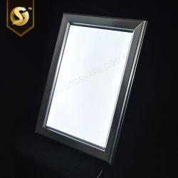 De moderne Hete Verkopende Muur zette de Open Te openen Klem van het Frame van de Doos van het Frame van het Aluminium van Lit van de Rand Slanke Lichte Onverwachte op Vertoning van de Reclame Lightboxes van het Frame de Uiterst dunne op