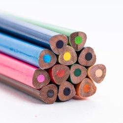El Favorito de los niños 12 lápices de colores se utilizan para dibujar papelería