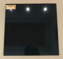 مصنع فوشان إمداد 600X600 مم أسود فائق وكامل الجسم وSuper أبيض مزدوج التحميل لامع داخلي بألواح بورسيلاناتو نانو لامعة تجانب أرضية خزفية