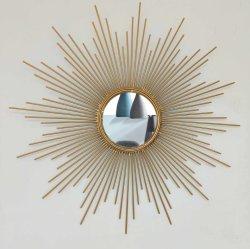 Nordische Art-Sun-Geformte Metallwand-dekorativer Spiegel für Haus