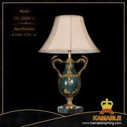 Tissu décoratif classique de l'ombre de lampe de table en céramique (TA-1039-1)