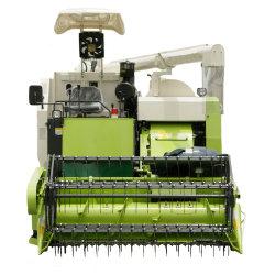米小麦の複数穀物生産で、ハーベスタ・マシンとストロー・バラが組み合わされている
