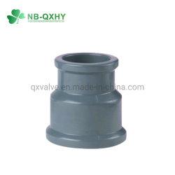 Le PVC en réduisant l'Accouplement Accouplement NBR du raccord de tuyau en plastique 25x20
