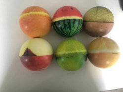 Mousse de PU ralentir la hausse du type à bille de fruits Squish Ball pour libérer le stress