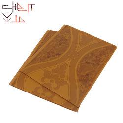 الصين المصنع الحقيقي أقل سعر شراء الخشب رخيصة اللون laminate لوحة حائط من PVC بالأشعة فوق البنفسجية باللون الأبيض البني عالي الخط ورق طباعة لامع من نوع PVC للسقف