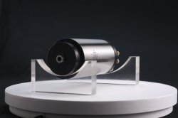 Zysは125000までのRpmをひき、製粉し、あけ、そして経路を指定するためのスピンドル170MD15z16にモーターを備えた