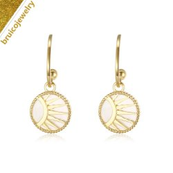方法卸し売り女性の宝石類真珠母の925の純銀製の宝石類のスタッドのイヤリング
