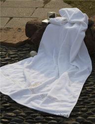 Serviettes en coton peigné Serviette Jacquard Hôtel blanc de la broderie