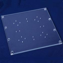 Carré de la plaque de verre de quartz clair avec le trou