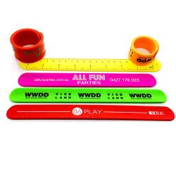 El mejor regalo de promoción de venta de logotipo personalizado Multicolor Slap pulsera de silicona