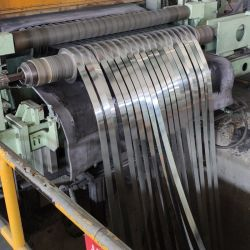 테이프를 견장을 다는 직류 전기를 통한 강철 지구 코일이 소폭에 의하여 강철 밴드 직류 전기를 통했다