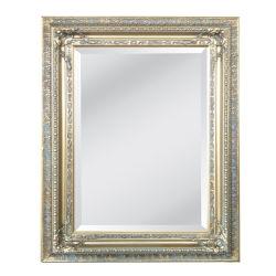 يد ينحت زخرفيّة خشبيّة منمّقة مرآة إطار