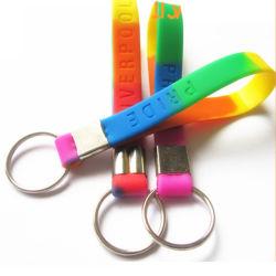 Kundengerechtes Silikon Wristand mit Schlüsselring 3D Gummi-Belüftung-T-Shirt Keychain mit gelbem Gas-Zylinder der Haken-3D konzipiert Belüftung-Schlüsselhalter
