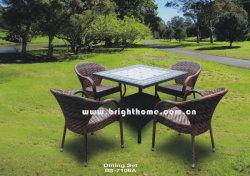 Un design moderne français simple jeu de table et chaises en rotin Ensemble de salle à manger l'osier