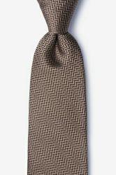 人のハンドメイドの編まれた多ネクタイ