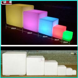 Ilumina las heces de cubo en el exterior de polietileno o tablas