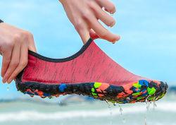 Pattini comodi di nuotata dei pattini del Aqua di alta qualità della scarpa da tennis di yoga di modo
