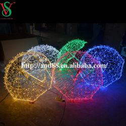 3D 우산이 거리 LED 훈장 주제를 통해 크리스마스에 의하여 점화한다