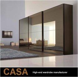 Abiti di vetro stabiliti del portello del portello scorrevole dello specchio del guardaroba nero di lusso contemporaneo che fanno scorrere armadietto