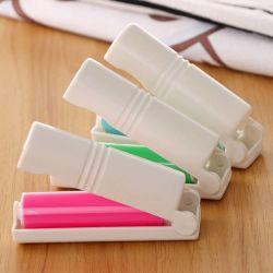 Escova de fiapos umedecido Removedor de pêlos da escova Mini Pano lavável para limpeza de rolos de poeiras (6204)