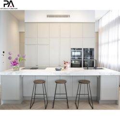 Fábrica de Guangdong sem caixilho personalizados por grosso de mobiliário moderno de luxo armário de cozinha de PVC cinzento claro