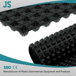 Carrée 6 mm du panneau de drainage de l'eau en plastique de type ligne de production