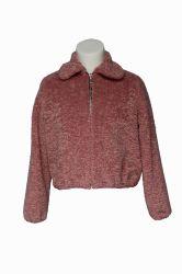 Kundenspezifischer Qualitäts-Frauen-Winterlose Faux-Veloursleder-Mantel-Großverkauf