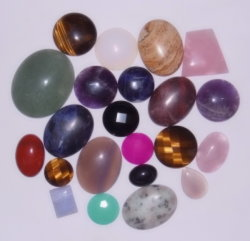 カボション風に半宝石の水晶宝石用原石かCobochonの設定のアクセサリGifts<Esb01642>