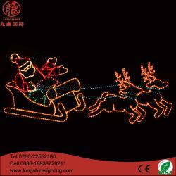 Le père Noël a conduit la lumière de Noël