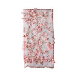 Venta Directa de Fábrica diseño popular pétalo de flor nupcial de Boda Blanco Bordado Floral pétalos Sequin láser 3D de tela de encaje