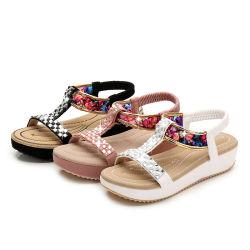 Anti Slip confortável de couro Soft Flat de descanso com sandálias Rhinestone Calçado de moda