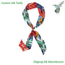 Sciarpa con sciarpa in seta e seta di alta qualità realizzata a mano