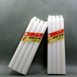 Pilier de la forme de gros des bougies de cire blanche