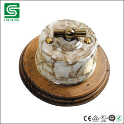 Деревянном основании кадров для Vintage керамические электросети и включите