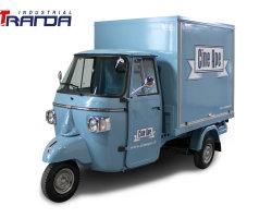 電気人目をひくものは販売のためのPiaggio Ape Cateringの食糧トラックのPiaggioの移動式棒を予約したヴァンPiaggio Ape
