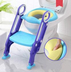 Potty 訓練の洗面所の座席はステップスツールの梯子及び pu を備えている 子供の男の子の女の子の幼児のための柔らかい座席