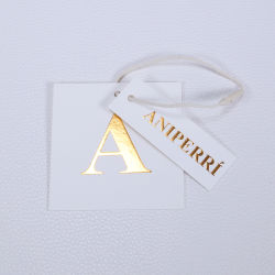 사용자 지정 3D 로고 핫 스탬프 용지 옷이 걸린 태그 럭셔리 브랜드
