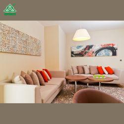 MöbeltischlSofa im Hotelzimmer mit Stoffbezug Aus Schaumstoff