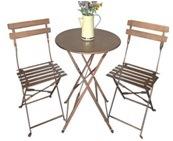 L'extérieur en métal de pliage des tables et chaises définit avec deux chaises