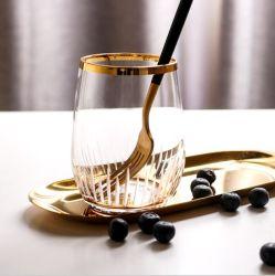 Parte de alimentación de vajilla de postre Mousse de colores de oro de la copa de cristal