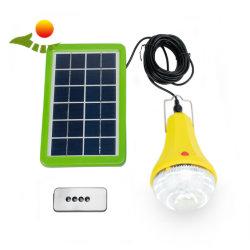 L'énergie solaire Torch& lampe de poche LED Ampoules basse de commande à distance avec un chargeur USB