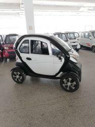Duradero populares 4000W CEE LCD 4 ruedas coche eléctrico de 50km/h