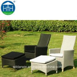 Cheap Outdoor PE Chaise longue en osier fauteuil avec repose-pieds