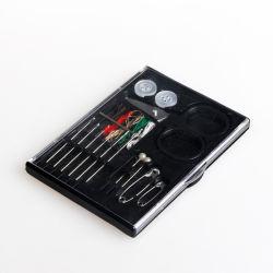 アマゾンへのHotel/SPA/Womenのホテルの快適さのための黒い6PCS糸6PCS Pinのプラスチックの箱縫うキット