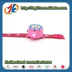 OEM in het groot Battery Operated projector Plastic Watch Children Toy Funny Aangepaste projector Watch Toy met High Quality for Kids Play