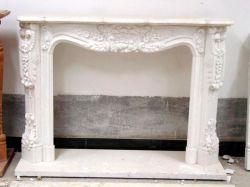 Diseñado chimenea de mármol blanco de piedra caliza tallada manto